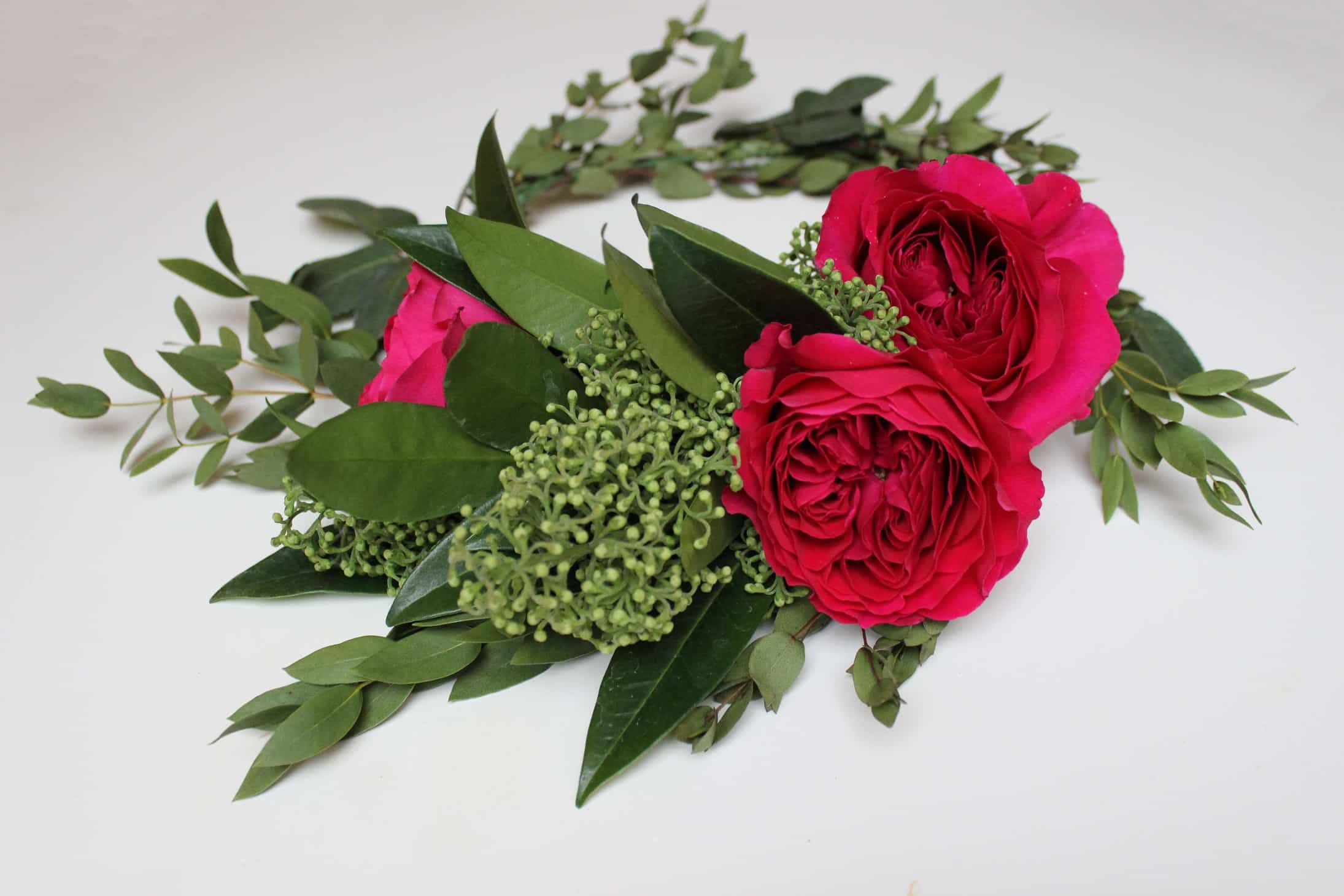 Flower Crown Diy Tips Tricks The Smell Of Roses The Smell Of Roses