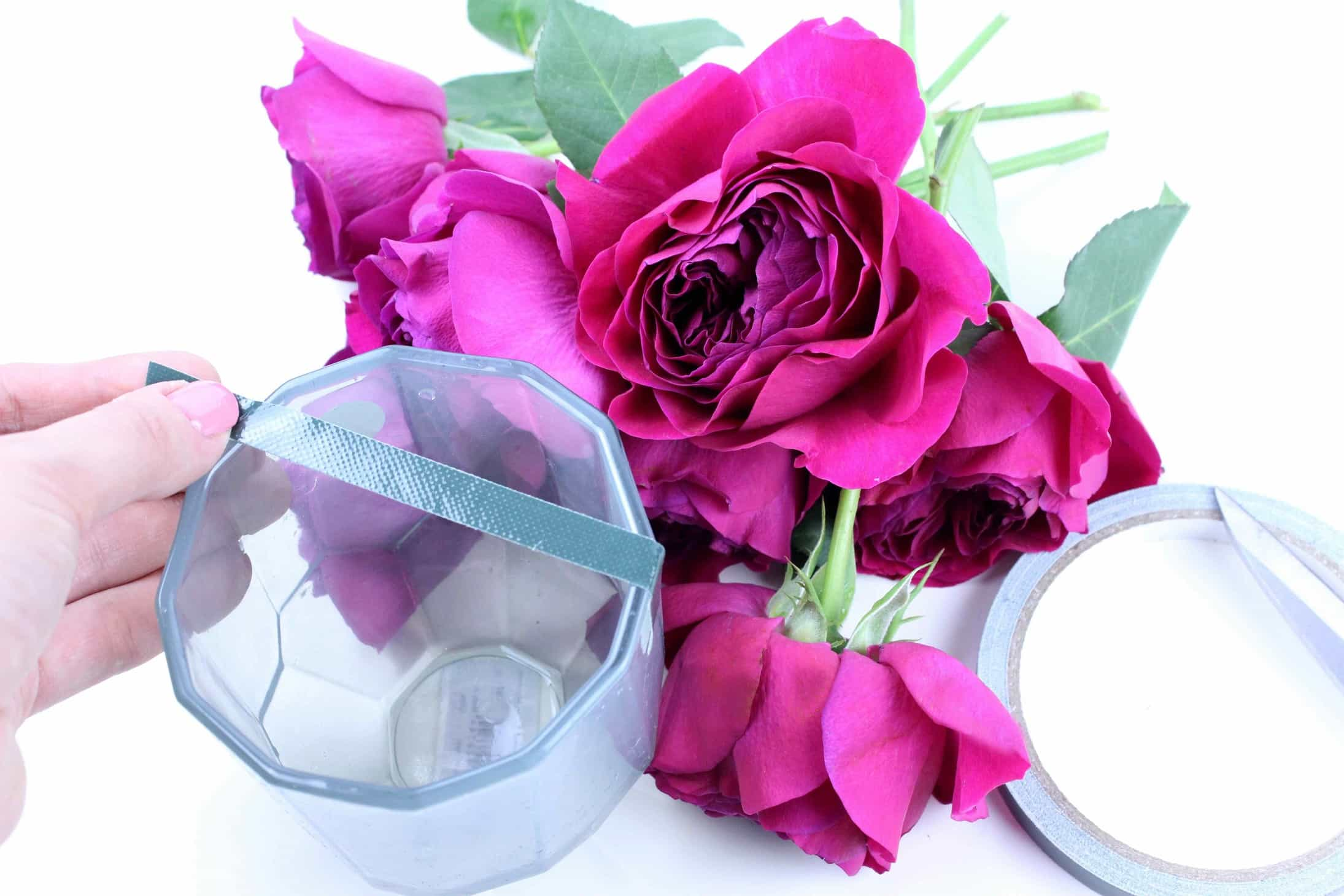 style flowers in a wide vase, david austin roses, flower styling, tape trick for florists, arrange flowers at home